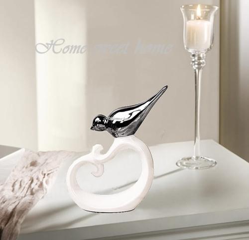 Figurka Dekoracyjna Do Salonu Domu Dekoracja Ceramiczna Wys 22 Cm